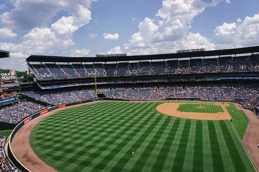 Stade et terrain de baseball durant une rencontre